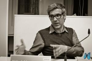 """Mathias Gatza berichtet von seiner Recherche für """"Der Augentäuscher"""". Photo: Laila Mahfouz"""