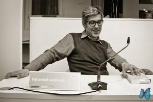 Mathias Gatza freut sich über die Fragen seiner Zuhörer. Photo: Laila Mahfouz