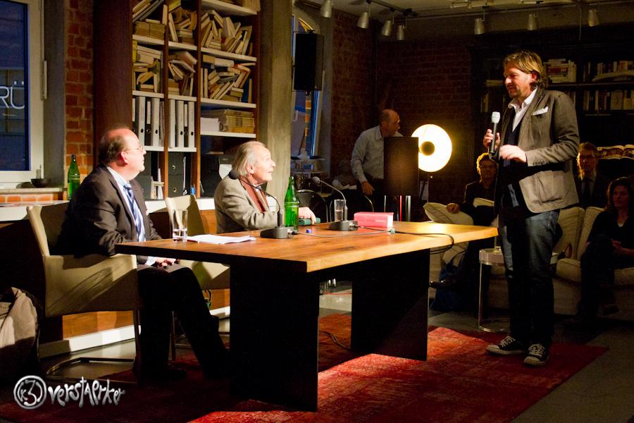 Jan Paschen bedankt sich bei seinen bei Peter Kurzeck und Denis Scheck. Foto: Anders Balari