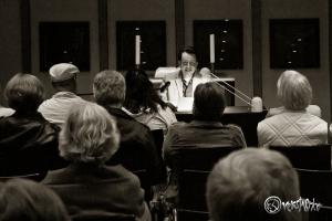 Viele interessierte Zuhörer in der Kirchengemeinde Hoisbüttel. Foto: Anders Balari.