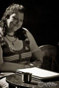 Laila Mahfouz liest aus ihren eigenen Geschichten. Foto: Anders Balari